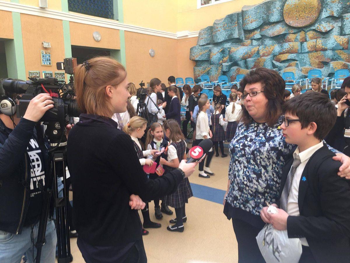 Благотоворительная ярмарка для аутистов в сш 57
